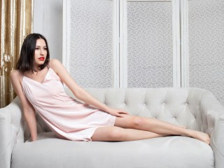 Bella_Wood