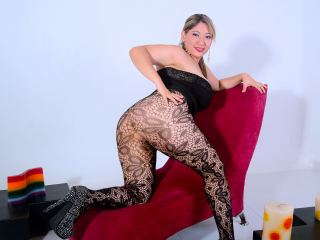 yummy_curves from Streamate.com