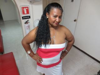Watch LatinEbonyHot cam