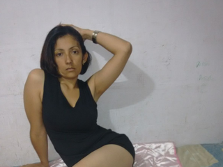 Watch ColombianWildAngela cam