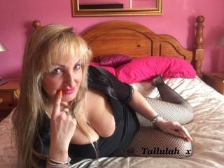 Watch TallulahDarling cam