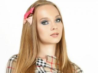 Brunette White 18+ Teens Channel