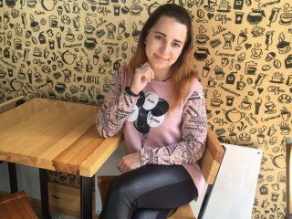 Emma_Cutie - Hello to all :) I am a 20 year old girl from Ukraine. I want to find friends here)