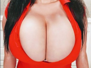 DesireHugeBoobs