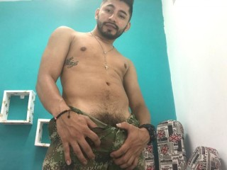 Chris_BigDickxxx
