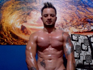 A Live Webcam Hunky Guy Is What I Am! I'm 28 Yrs Old And I Have Brown Hair And I Am Hispanic