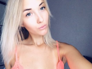 Blondinka18
