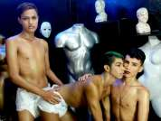 3LATINBOYS_HORNY