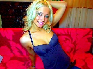 Picture of Amazingblondlady Web Cam