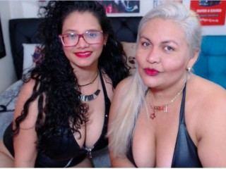 BrianaAndSara Webcam