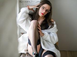 Simona_Lewis