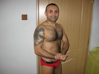 Hotguydylan hot hairy guy with beautiful body here for your pleasure 2