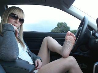 Mercedes_VoyeurCam