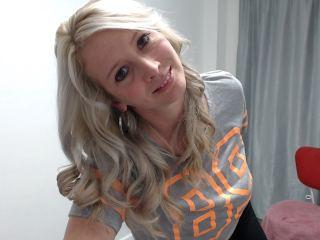 Milf wild blonde hair