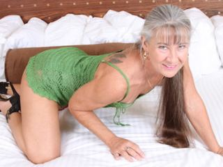 A Webcam Charming Babe Is What I Am! I Have Saltnpepper Hair, My Streamate Model Name Is LeilaniLei And I Am Caucasian