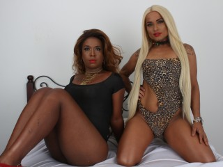 Naomi_and_Nicole