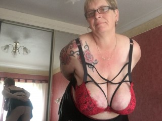 Bustybabe38kk's Live Cam