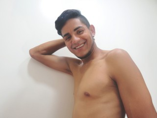 My Model Name Is SaMooa! I'm A Sex Webcam Eye-catching Male! I Have Black Hair, 29 Is My Age! I Am Hispanic