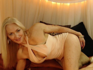 Rhiannoinlive: Live Cam Show