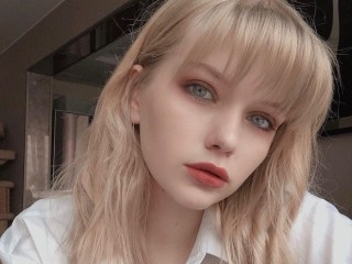 Louise_Chane's Profile Image
