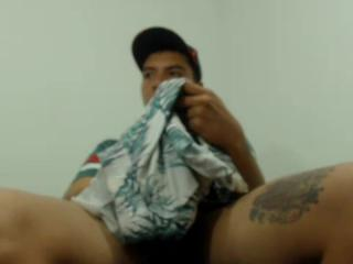 Chat with Hunter69Boy