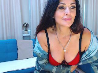MonicaGreat's Live Cam