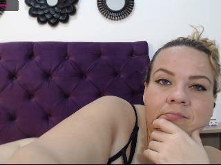 Molly_Boobs's Live Cam